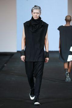 Bajo el refugio del eterno efecto monocromo, Cutphobia presenta su colección Spring/Summer 2016 en la semana de la moda de China