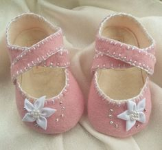 Baby Girl Shoes Pink Wool Felt by BronteShoes on Etsy, shoes shoes fashion shoes Felt Baby Shoes, Baby Girl Shoes, My Baby Girl, Girls Shoes, Baby Girls, Baby Shoes Pattern, Shoe Pattern, Baby Patterns, Mode Rose