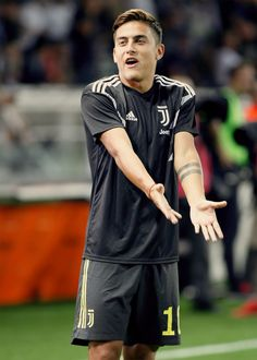 Paulo Dybala during Serie A match between v Parma Calcio 1913 Juventus FC, in Parma, on September 2018 (Photo by Loris Roselli/NurPhoto via Getty Images). Soccer Guys, Soccer Memes, Football Boys, Football Players, Juventus Players, Juventus Fc, Juventus Wallpapers, Colored Tights Outfit, Cr7 Junior