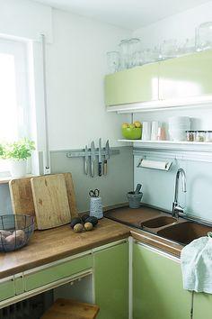 sch ne k che on pinterest kitchens kitchen shelves and. Black Bedroom Furniture Sets. Home Design Ideas
