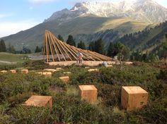 Arte a cielo aperto, il teatro del Latemar di Marco Nones è nato all'imbocco della galleria d'arte a cielo aperto RespirArt Pampeago, in Val di Fiemme (Trentino)