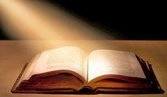 Ecco, abbiamo scoperto perchè la Sacra Bibbia non viene più letta, tutti credono che sia un libro e per giunta, un libro ormai vecchio e superato. Invece no