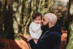 Lorraine Maguire Photography shares her portfolio of lifestyle family and newborn photography sessions. Family sessions taken in Kildare, Dublin, Tipperary, Kilkenny and surrounding areas. Newborn sessions take place in the comfort of the family home.
