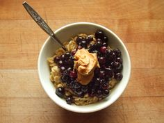 oatmeal with blueberries and white chocolate wonderful peanut butter