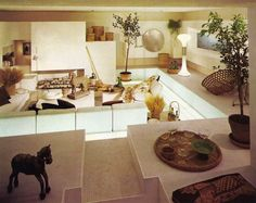 Bloomingdale's Book of Home Decorating Barbara D'Arcy 1973
