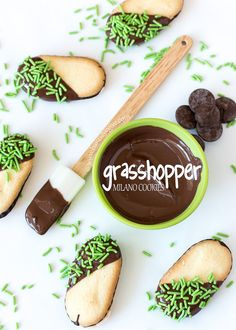 Grasshopper Milano Cookies - an incredibly easy way to say hello to March!