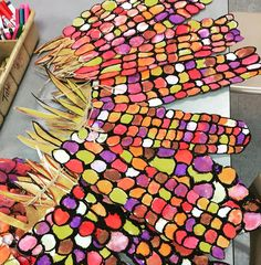 Resultado de imagen de fall art projects for elementary students Thanksgiving Art Projects, Fall Art Projects, School Art Projects, Kindergarten Art, Preschool Art, Deco Miami, 2nd Grade Art, Second Grade, Art Lessons Elementary