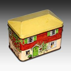 """Avon Metal Tin House Shaped """"Cosy Cottage"""" Tea for Two Container 