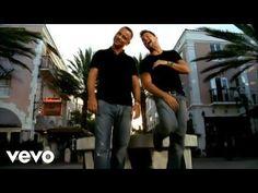 Eros Ramazzotti & Ricky Martin - Non Siamo Soli - YouTube