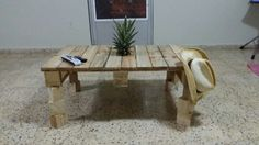 Living room pallet center table or coffee table