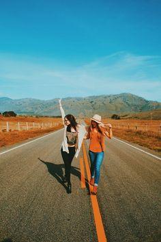 Creative Travel Picture Ideas to Try | ko-te.com by @evatornado