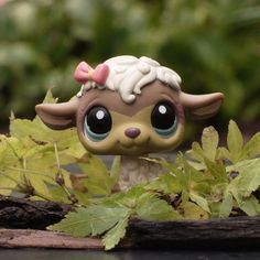 Yay, it's Bentley by savagedolls on DeviantArt Accessoires Lps, Happy Animals, Cute Animals, Lps Collies, Custom Lps, Lps Accessories, Lps Toys, Palace Pets, Lps Littlest Pet Shop