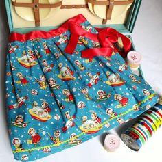 Wonderful print. Beautiful handmade skirt.