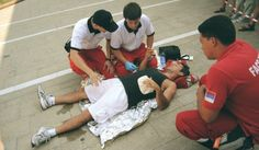 A Fermo i volontari  della CRI daranno prova della loro preparazione tecnico-professionale applicando i protocolli internazionali   http://tuttacronaca.wordpress.com/2013/09/15/feriti-a-terra-e-sangue-ovunque-ecco-la-gara-della-cri/