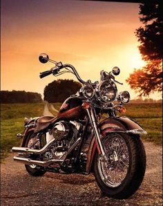 Harley Davidson Motorcycle || country road at sunset