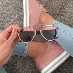blush pink sunnies and sneakers- blush pink sneakers- Stylish mirror sunglasses http://www.justtrendygirls.com/stylish-mirror-sunglasses/