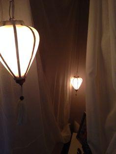 Lampionnen in de bedstee