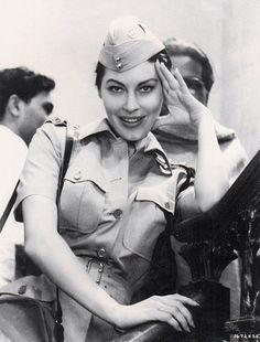 """Ava Gardner en """"Cruce de destinos"""" (Bhowani Junction), 1956"""