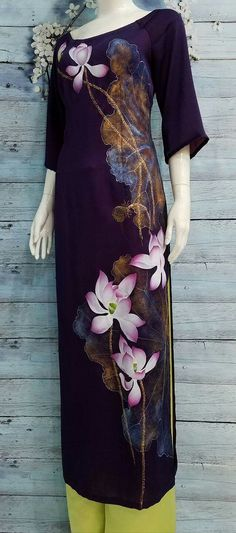 Fabric Paint Designs, Painted Clothes, Pure Silk Sarees, Summer Outfits Women, Ao Dai, Fabric Painting, Asian Fashion, Clothing Patterns, Passion For Fashion