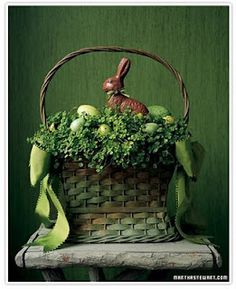 green basket so gorgeous!