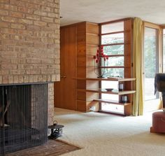 Frank Lloyd Wright. How is this feature not still happening today? These window shelves are amazing!