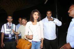 Priyanka Chopra At Mumbai Airport For TV Show Quantico Launch (9)