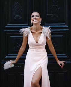 Event Dresses, Prom Party Dresses, Dance Dresses, Bridal Dresses, Wedding Dress, Bridesmaid Dresses, Formal Dresses, Fiesta Outfit, Feather Fashion
