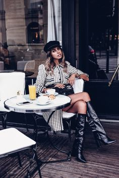 Having my morning coffee and a croissant at a cafe in Paris is one of my favorite things to do! Wearing a Chanel vintage black and white coat, black leather boots, and a Chanel tweed flap bag Paris Chic, Black And White Coat, Viva Luxury, White Turtleneck, Coffee Girl, Mademoiselle, Mode Style, Black Skinnies, What I Wore