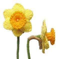 Daffodil Free Knitting Pattern   Free Flower Knitting Patterns at http://intheloopknitting.com/free-flower-knitting-patterns/