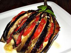 CAIETUL CU RETETE: Vinete evantai My Recipes, Cookie Recipes, Romanian Food, Ratatouille, Eggplant, Carne, Steak, Pork, Appetizers