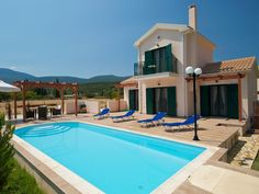 Villa Thalia, 2 bedroom villa close to Sami, Kefalonia. Private pool and only 50 mtr from the beach. 2 Bedrooms sleeping 4 in Sami, Kefalonia, Greece from just 600 EUR per week. Thalia, Private Pool, Greece, Villa, Mansions, House Styles, Beach, Outdoor Decor, Home Decor