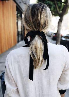 coiffure cheveux mi longs avec ruban automne-hiver 2017 - Cheveux mi-longs : nos idées de coiffures tendances - Elle