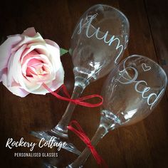 World& Best Parents glasses Pint and Wine glass Personalised parents gift engraved glasses anniversary gift Christmas gift customised by RockeryCottage Personalized Wine Glasses, Personalised Gifts, Handmade Gifts, Custom Wine Glasses, Parent Gifts, Hand Engraving, Anniversary Gifts, Glass Art, Christmas Gifts