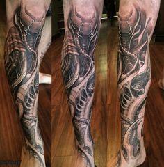 #Tattoo artist eric de l'etoile