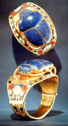 The scarab bracelet of King Tutankhamun, from his tomb at the Valley of the Kings (gold, lapis lazuli, turquoise, carnelian and quartz). The small circumference of this bracelet suggests that it was made for Tutankhamun when he was a child. Ancient Egyptian Jewelry, Egyptian Scarab, Egyptian Beetle, Egypt Museum, Cairo Museum, Egypt Jewelry, Gold Jewelry, Jewellery, Jewelry King