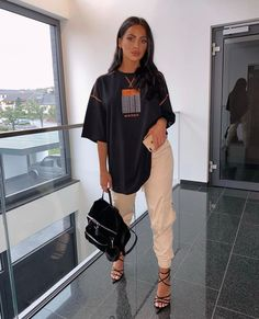 Oversized Tee 🖤 for off your order 🖤 *ad Cute Comfy Outfits, Dope Outfits, Swag Outfits, Classy Outfits, Stylish Outfits, Girl Outfits, Fashion Outfits, Casual Bar Outfits, Looks Chic