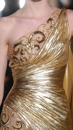 Zuhair Murad Spring 2013. Perfect for a Dahlia adept at the Midwinter Masque Phedre attends in Cereus House.