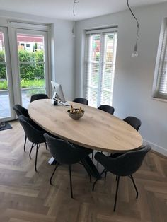 (notitle) 42 Small living room that always looks good Living room decoration small roomIkea & shelf stylingROO. Dining Room Blue, Dining Room Table Decor, Dining Room Design, Living Room Sets, Living Room Decor, Dinner Room, Modern Room, Dining Room Modern, Home Interior Design