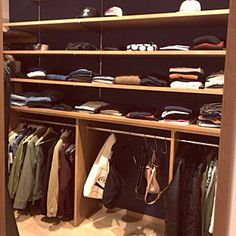 Closet Space, Walk In Closet, Natural Interior, Easy Wood Projects, Man Room, Japanese House, Closet Organization, Open Shelving, Home Interior Design