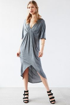 381fee992a681 Silence + Noise Oversized Kimono Maxi Dress Long Sleeve Kimono, Urban  Outfitters Dress, Clothes