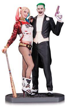 Estatua The Joker & Harley Quinn 30 cm. Escuadrón Suicida. DC Cómics. DC Collectibles  Estupenda estatua de The Joker & Harley Quinn de 30 cm, la pareja de moda en el film de 2016 Escuadrón Suicida fabricada en poliresina de alta calidad y 100% oficial y licenciada por la compañía DC Collectibles.