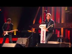 """Keith Urban - """"Sweet Thing"""" Live at the Grand Ole Opry"""
