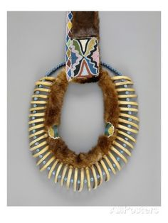 american-bear-claw-necklace-mesquakie-c-1835-mixed-media.jpg (366×488)