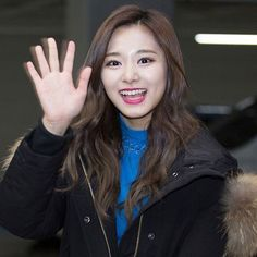 @twicetagram  Maknae ✿ Visual  Chou Tzuyu ❆ 周子瑜 ❆ 쯔위  ❥ TWICE IS COMING TO SINGAPOREE !!  Anyone going ?? I hope I can !!  Tzuyu's face was my face when I first saw the news that Twice is holding their concert in Singapore !!  ❥ ❴➷ #twice #once #choutzuyu #tzuyu #周子瑜 #쯔위 #트와이스 ➹❵ ❥ [161225] © hotwice fansite masternim ❢