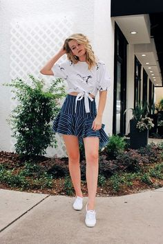 Blouse: ZARA Skirt:Zara Keds:Keds Zara is one of my favorite clothing brands for so many reasons and the outfit I am wearing below is one of them. Zara always has the latest fashion trends with…