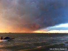 http://4giul.wordpress.com/2014/04/15/temporale-al-tramonto-sulla-laguna/