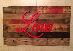 Love Pallet Art by CarvedWoodworks on Etsy Pallet Projects Diy Garden, Pallet Projects Signs, Pallet Crafts, Pallet Art, Wood Projects, Pallet Signs, Pallet Ideas, Old Pallets, Wooden Pallets