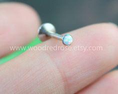 Zierliche Weisser Opal Ohrring Schraube Feueropal von woodredrose