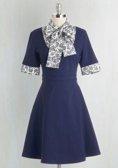 Expert in Your Field Trip Dress in Paisley. Lead your class on a museum tour with confidence in this ModCloth-exclusive, navy-blue dress! #blue #modcloth