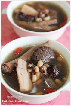 Lotus Roots And Tricolour Beans Soup  ~ recipe @ http://ellenaguan.blogspot.com/2011/01/lotus-roots-and-tricolour-beans-soup.html